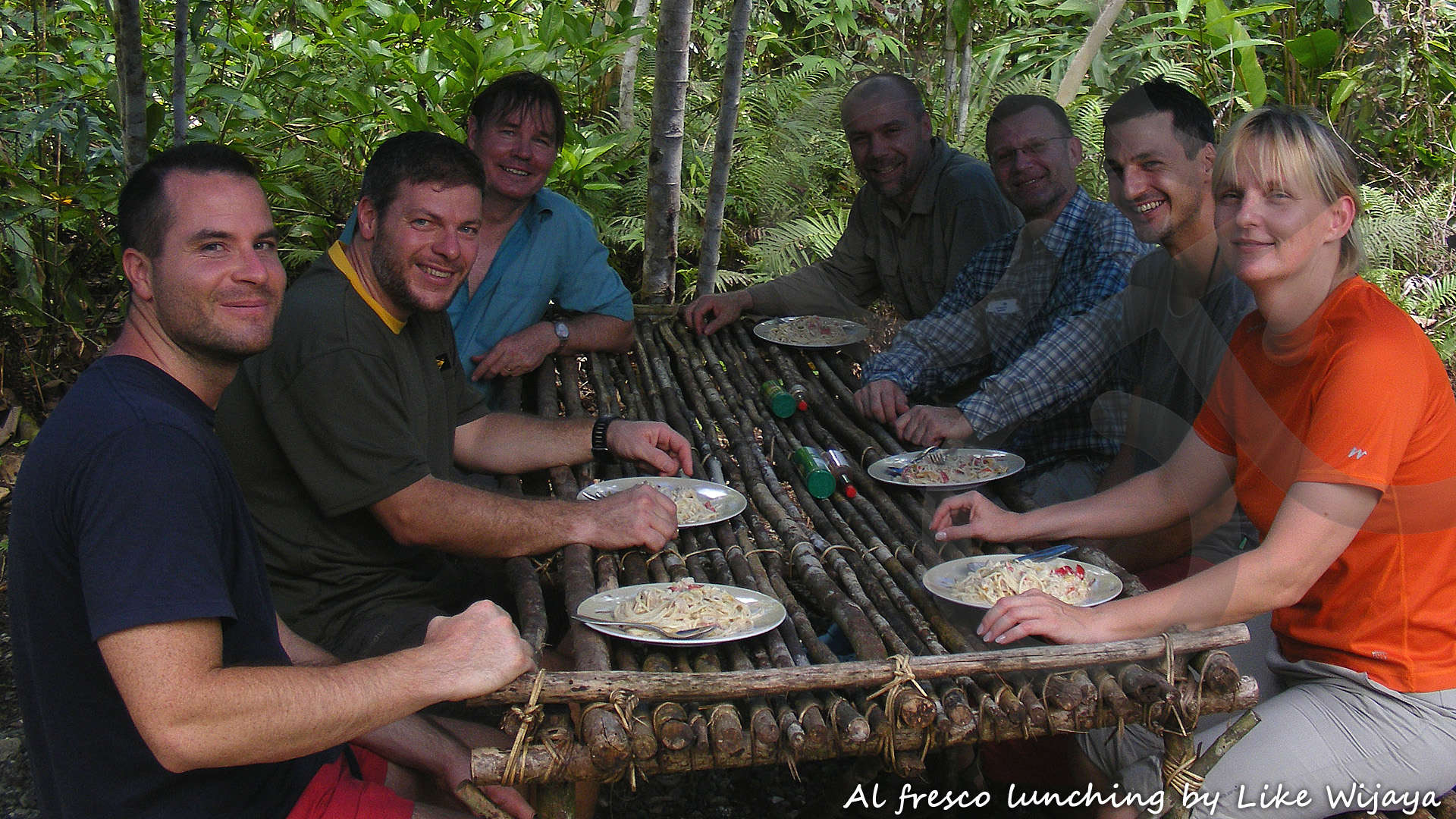 The joy of al fresco lunching inside Waigeo Island's beating heart of biodiversity with Papua Expeditions. Copyright © Like Wijaya
